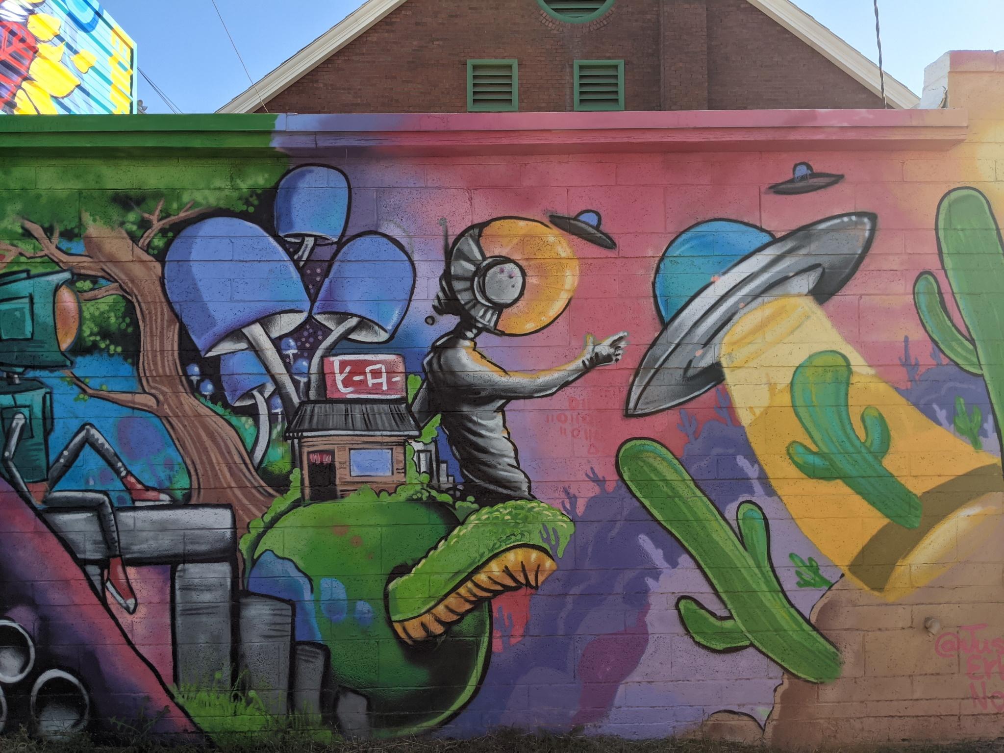 Mural: Alley E of 9th St, Garfield & McKinley